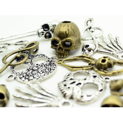 100g Assorted (Approx 30pcs) Steampunk Gears Skull Skulls Set